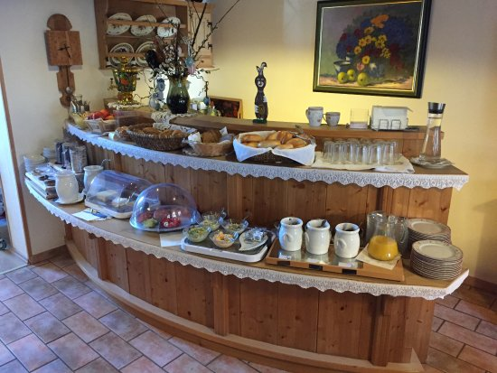 Jennersdorf, Austria: das Frühstücksbuffet