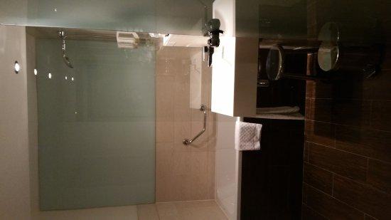 20170303 073450 picture of hotel le m paris. Black Bedroom Furniture Sets. Home Design Ideas