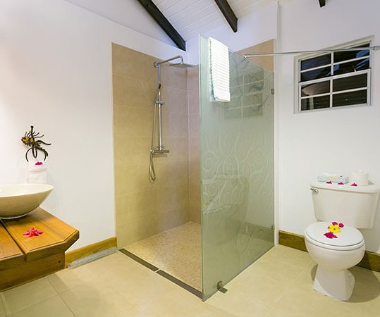 True Blue Bay Boutique Resort Indigo Bathroom
