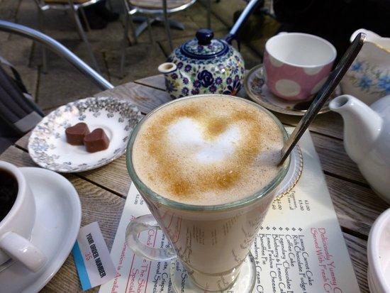 Charlottes Chocolates: Latte, coffee and chocolate