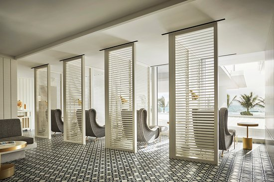 Surfside, FL: Private relaxation alcoves at The Spa overlooking the gardens and sea.