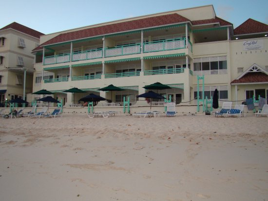 Worthing, Barbados: Hotel is on the beach