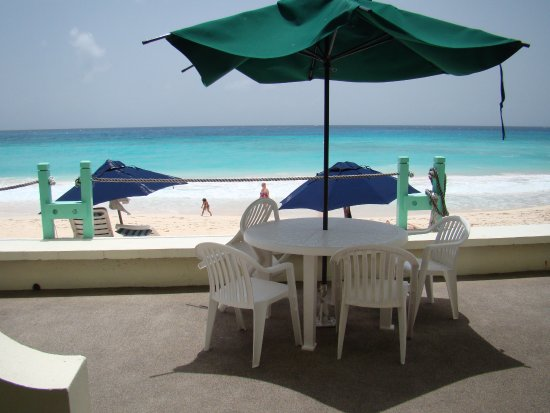 Worthing, Barbados: The beach view from room!