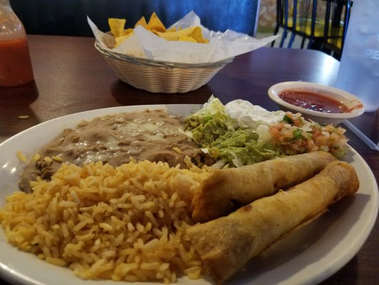 Mountain View, MO: Taquitos. One chicken and one beef. I liked the chicken better. Chips and salsa were great too!