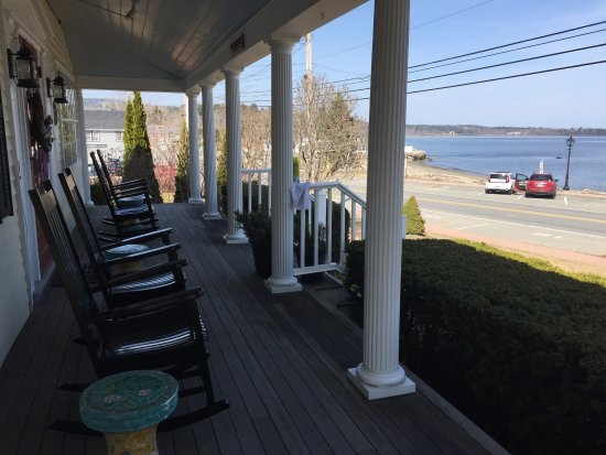 Lincolnville, ME: You can be sitting in your rocker,sipping your morning coffee,looking out over the ocean. Book n