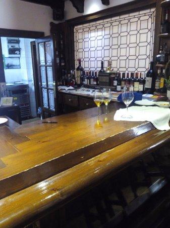 Restaurante Los Santanderinos: Interior local (zona barra)