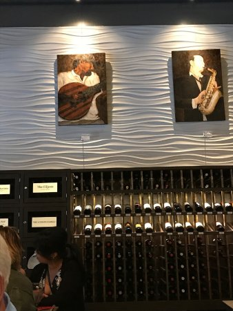 Vino Amp Vinyl Wine And Records Lounge Sugar Land