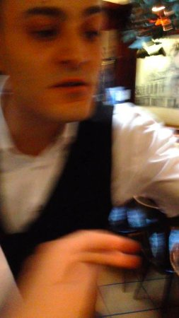 Das Wirtshaus: the waiter tried to make us out