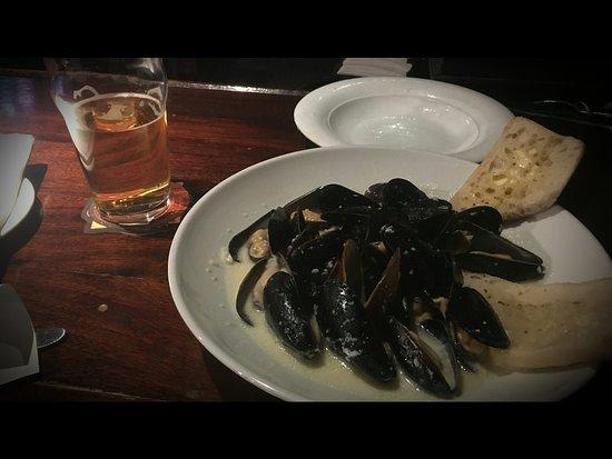 Argyle Bar & Grill: 2017-04-02_13_large.jpg
