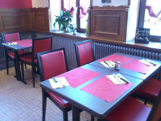 Niderviller, France : salle restaurant