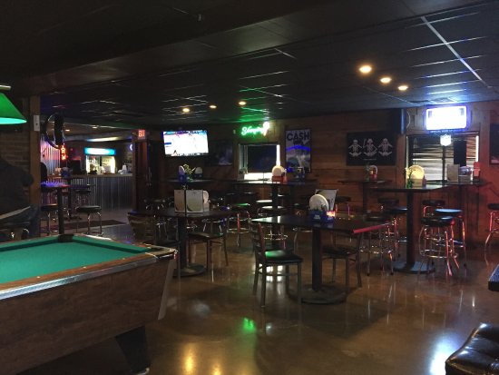 Newark, OH: Anges Pizza & Pub