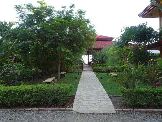 Villas Alturas: Entrée de l'hôtel.
