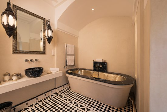 Riad Farnatchi: Suite 10's Bathroom