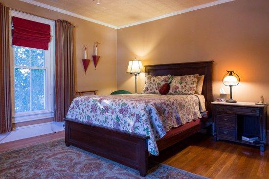 Gate City, VA: Robert Douglas Room