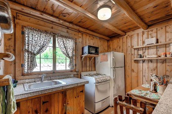 Evergreen, CO: Cabins Kitchen