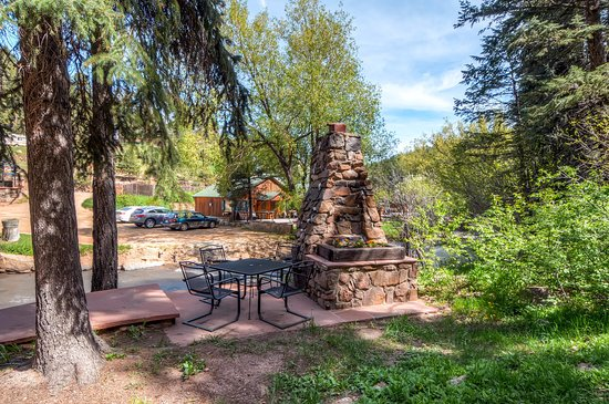Evergreen, CO: Creekside Dining