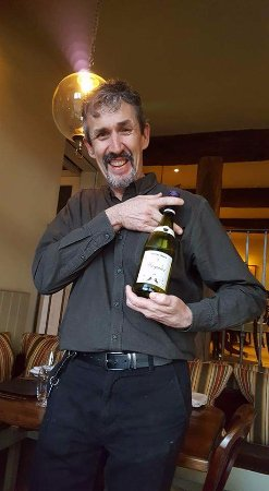 Nether Westcote, UK: Great service and so lovely to have expert advice on wine choices