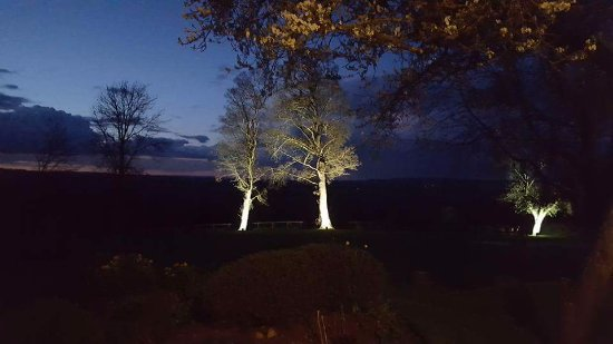 Nether Westcote, UK: Stunning night time view out the window