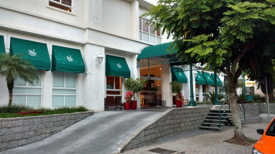 Quality Hotel Curitiba : Fachada do Hotel