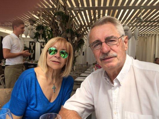 Villeneuve-les-Maguelone, Frankreich: Nous venons d'arriver à midi pile mais le restaurant s'est vite rempli.