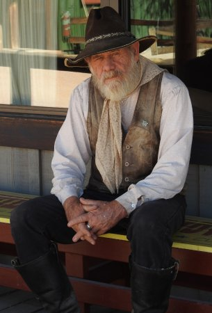 Tombstone Monument Ranch: Arizona Bill, a great storyteller, fascinating historian, and all around nice guy