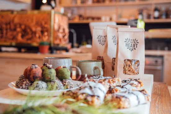 Bragg Creek, كندا: Nutritious treats for the road, ride, hike or post yoga snack 