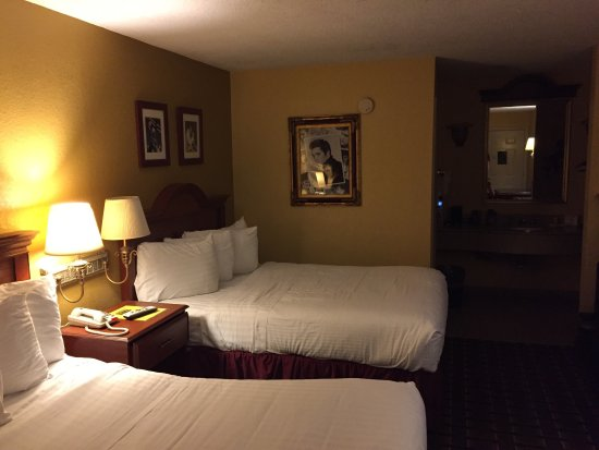 Days Inn Memphis at Graceland: photo0.jpg
