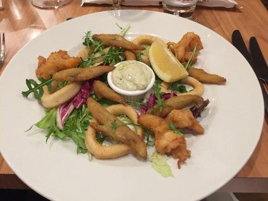 Quattro : Crispy fried king prawns, squids, white bait with tartare sauce