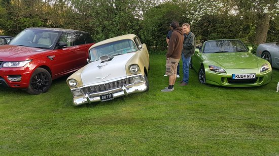 Classic Car Meet Picture Of Harte Magpies Pub Amersham - Car meet