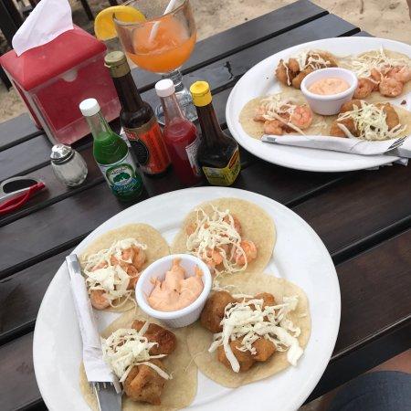 Wah Wah Beach Bar: photo0.jpg