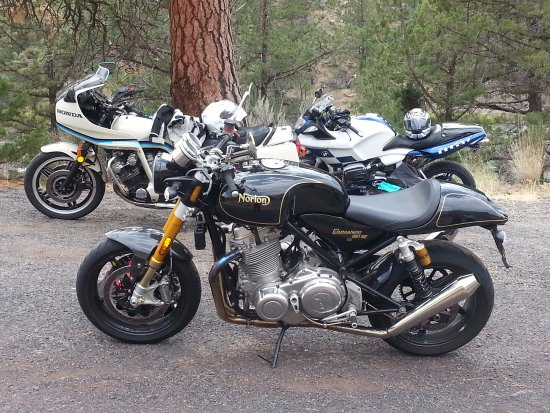 La Pine, Орегон: 2015 Norton Commando 961SE - the only place to rent one!