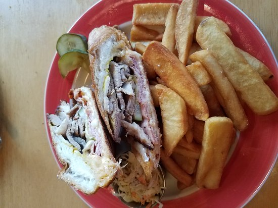 Blue-Eyed Crab Grille And Raw Bar: 20170411_181219_large.jpg