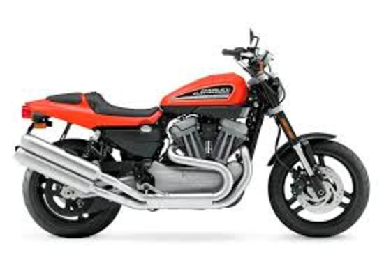 La Pine, OR: 2009 Harley XR1200 is way fun; a bike you might not buy, but will love to ride!