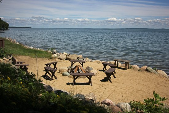 Walker, MN: Large bonfire pits located along the shoreline for all guests
