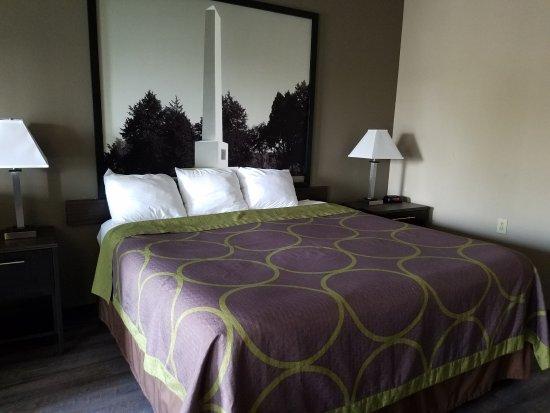 Murfreesboro, TN: king bedroom