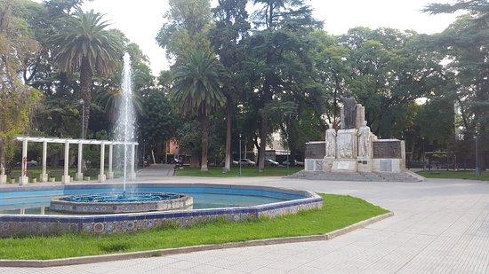 Plaza Italia : Fuente principal