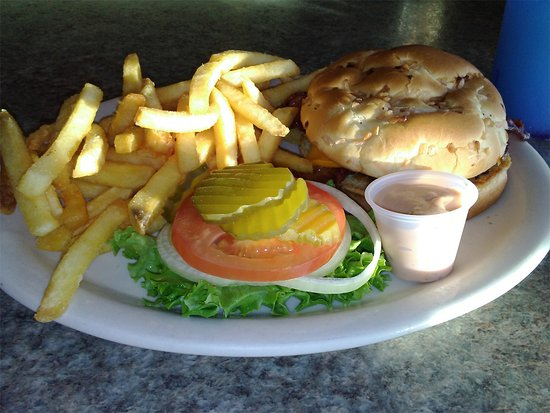 Beeline Cafe: Bacon cheeseburger, lots of fries, 1000 Island dressing on the side