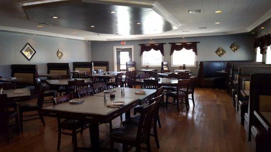Willington, CT: Dining Area