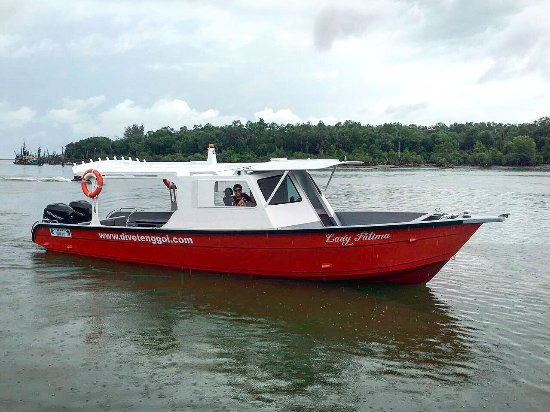 Dungun, Malasia: Lady Fatima - Our Dive Boat