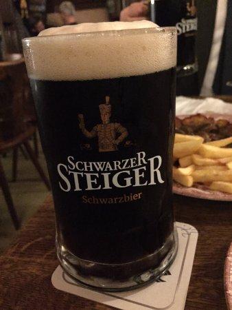 Plümecke: Beer!