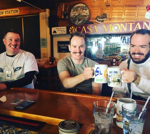 Carrabassett Valley, ME: Mug club brothers