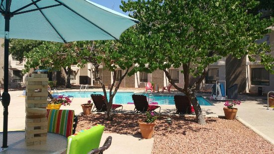 Windemere Hotel & Conference Center: Family Friendly Pool and Hottub