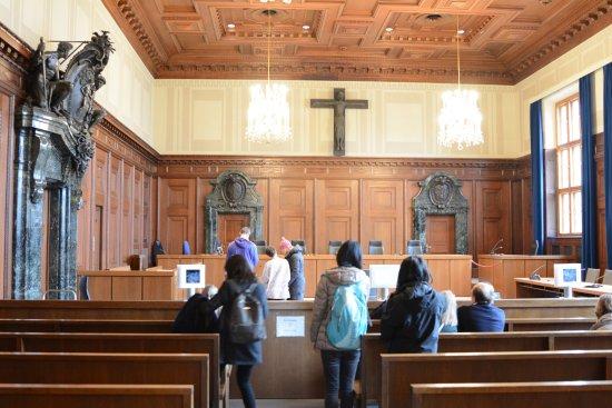 nuremberg courtroom bild von justizpalast n rnberg n rnberg tripadvisor. Black Bedroom Furniture Sets. Home Design Ideas