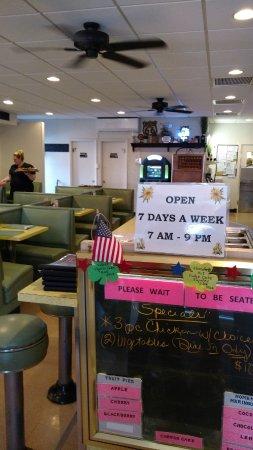 New Market, VA: interior restaurante - horários