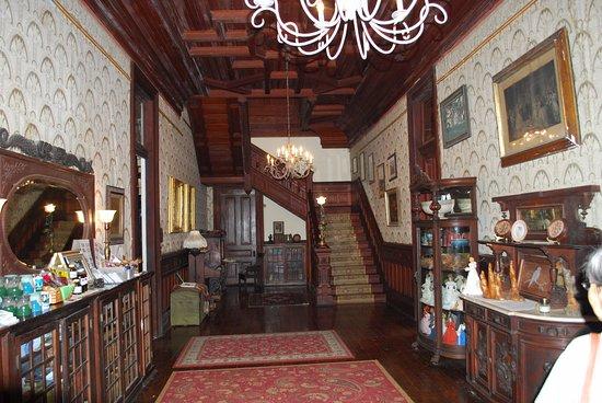 Schriever, LA: Entrance hall to Ardoyne
