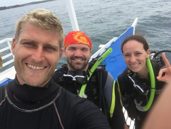 Thresher Shark Divers: Angus (our instructor), me and my friend Julia