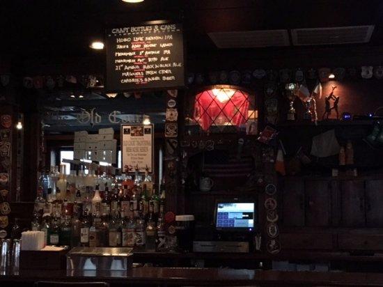 Lowell, MA: Pub decor