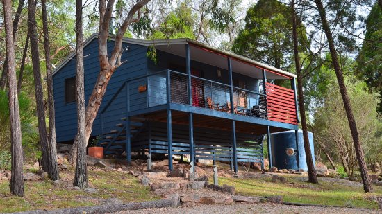 31 The Rocks: A stylish, modern deluxe Villa 1 is nestled into the granite hillside, surrounded by native bush
