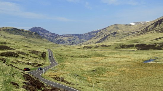 Aviemore and the Cairngorms, UK: These roads are made for driving!