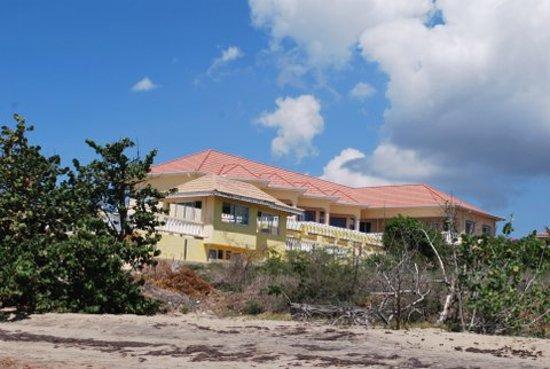 Taino Cove: Hotel from the beach